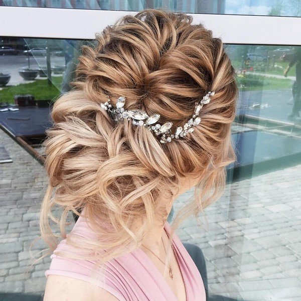 stunning updo wedding hairstyle