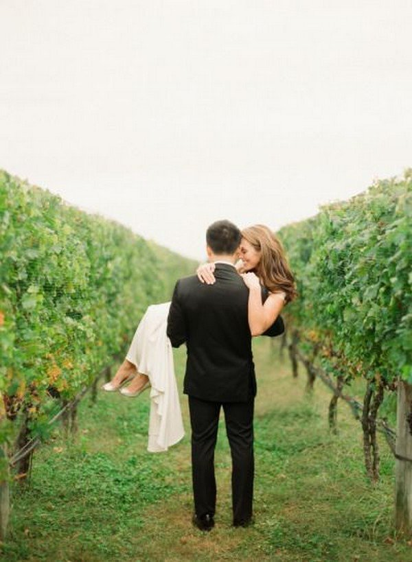 vineyard bride and groom wedding photo ideas
