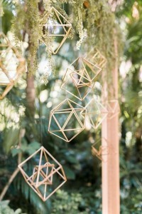 chic hanging geometric wedding decoration ideas