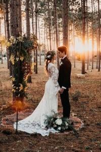 boho chic bride and groom wedding photo ideas
