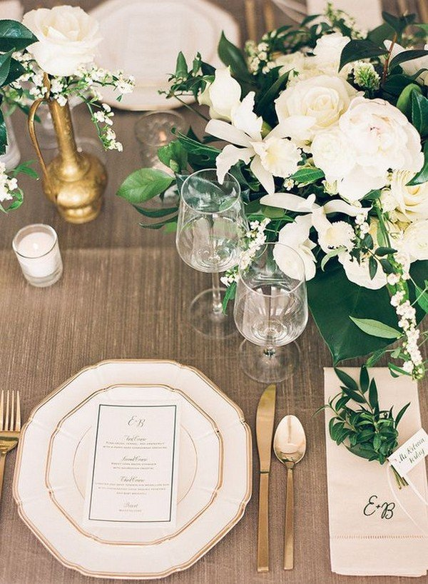 elegant gold and green wedding table setting decoration ideas
