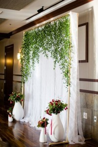 greenery and white wedding backdrop decoration ideas