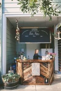 outdoor wedding bar ideas