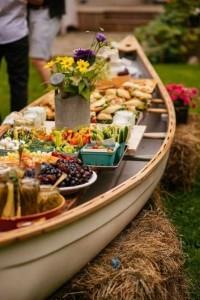 outdoor wedding food serve ideas