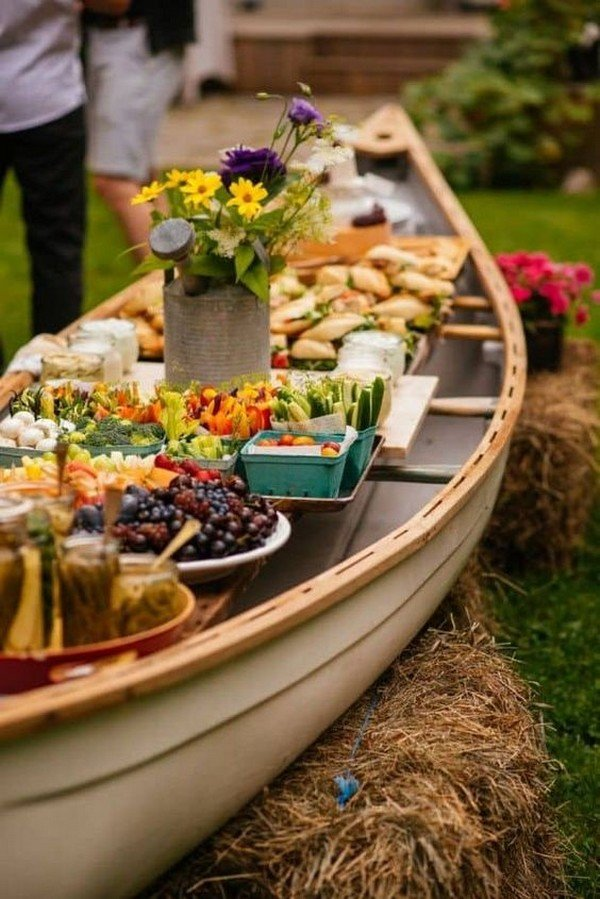 outdoor wedding food serve ideas