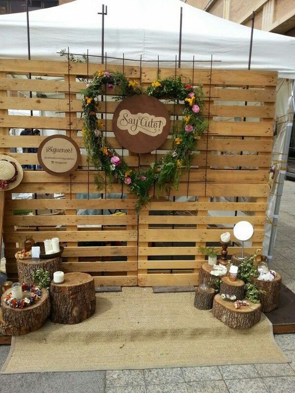 rustic chic wooden wedding photo booth backdrop