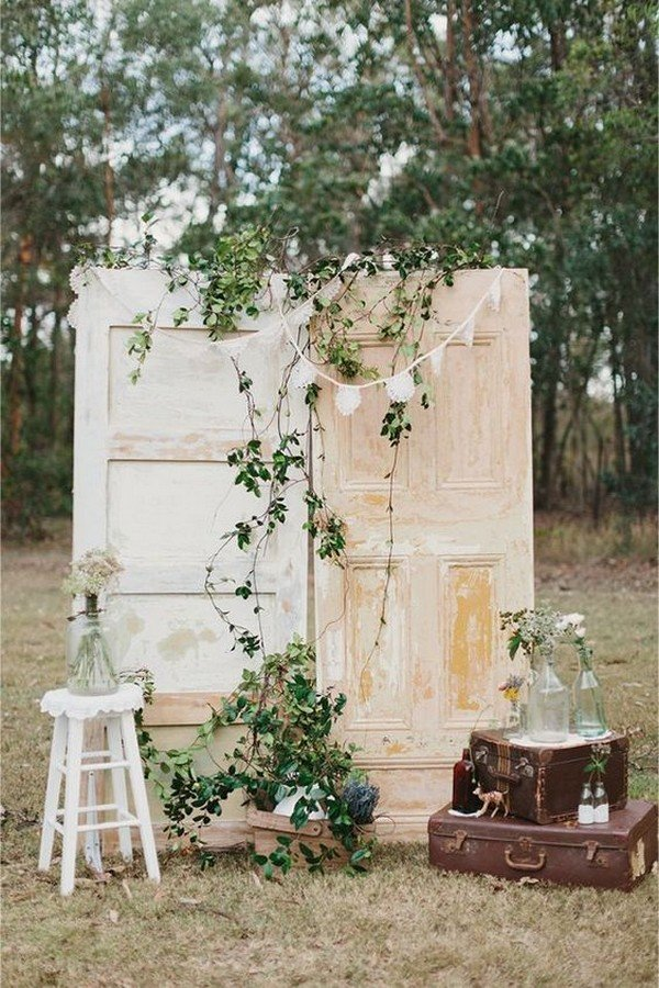 vintage old door wedding photobooth backdrop ideas