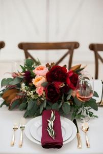 burgundy wedding centerpiece ideas
