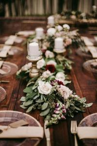 chic rustic burgundy and greenery fall wedding table decoration ideas