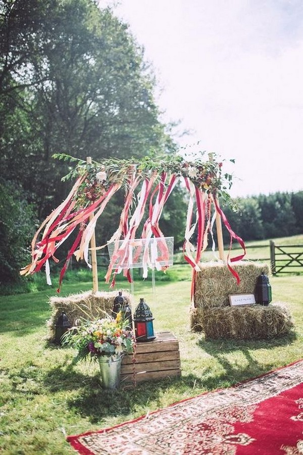 boho wedding decoration ideas with hay bales
