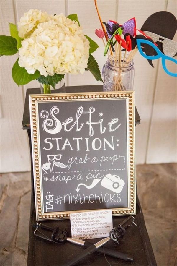 chalkboard wedding sign ideas with instagram hashtag