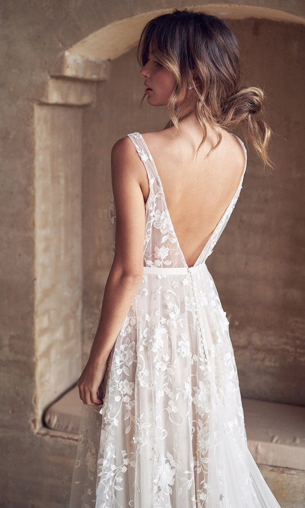 Anna Campbell Amelie v neck floral wedding dress with v back