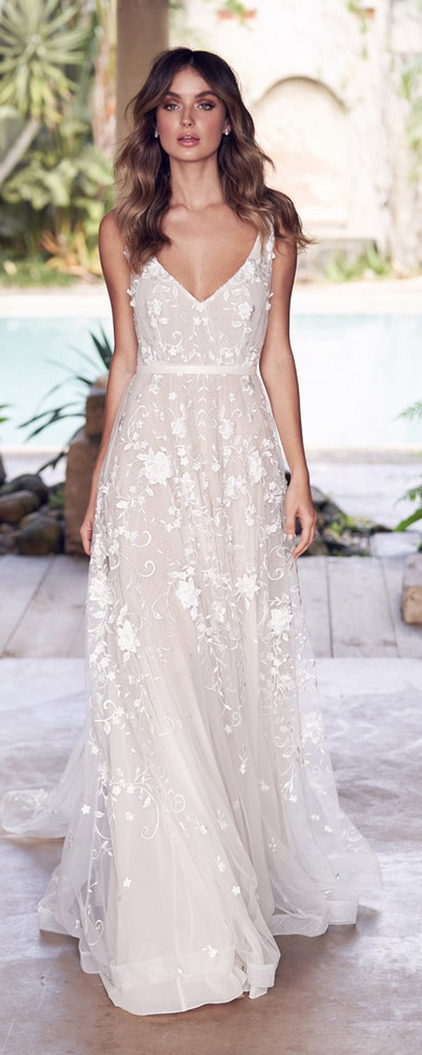 Anna Campbell Amelie v neck floral wedding dress