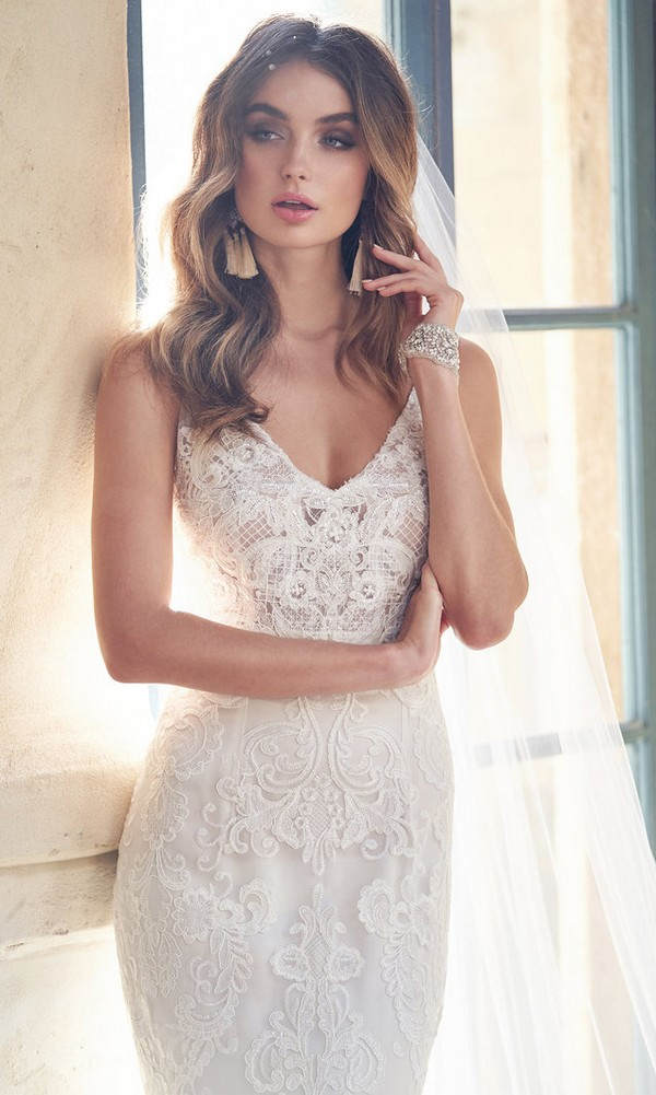 Anna Campbell Harlow lace wedding dress with v neckline