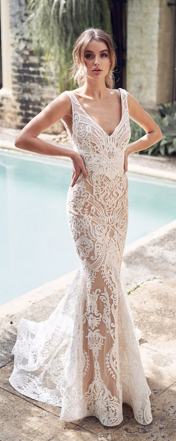 Anna Campbell Jamie v neck lace wedding dress