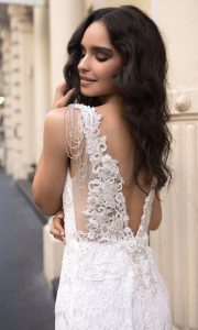 Anna Campbell Saasha romantic lace wedding gown with amazing back