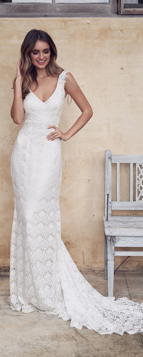 Anna Campbell Saasha romantic lace wedding gown with v neck