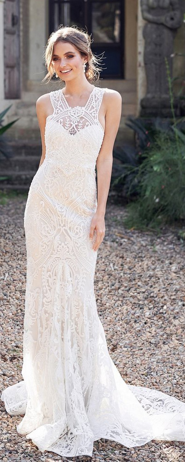 Anna Campbell Winter delicate lace wedding dress