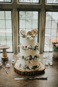 rustic woodland wedding cake ideas