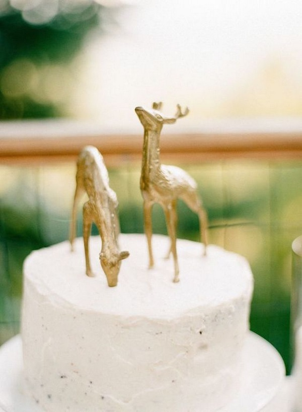 woodland wedding cake with gold deer