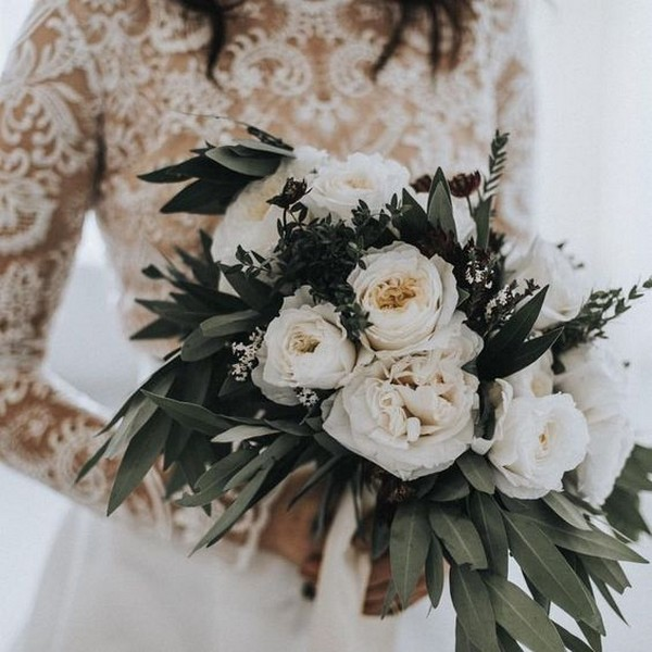 ivory and sage green wedding bouquet ideas