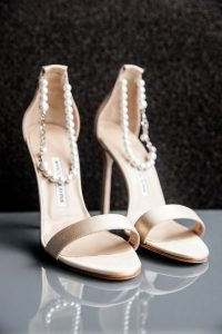 neutral wedding shoes ideas with pearls