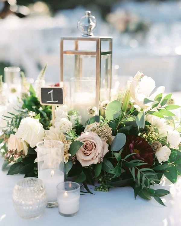 chic winter wedding centerpiece