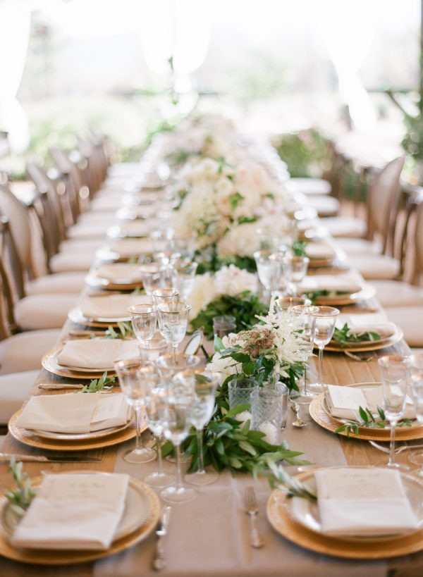elegant neutral wedding table settings