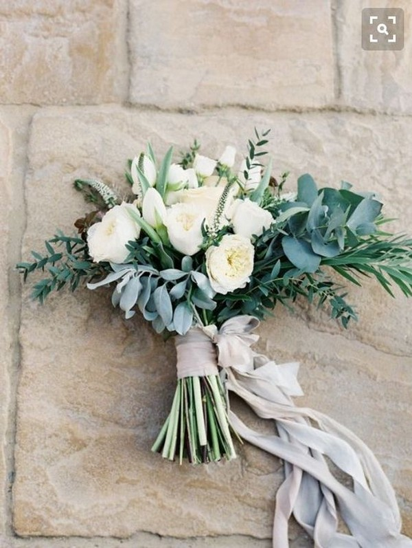 neutral colored wedding bouquet ideas