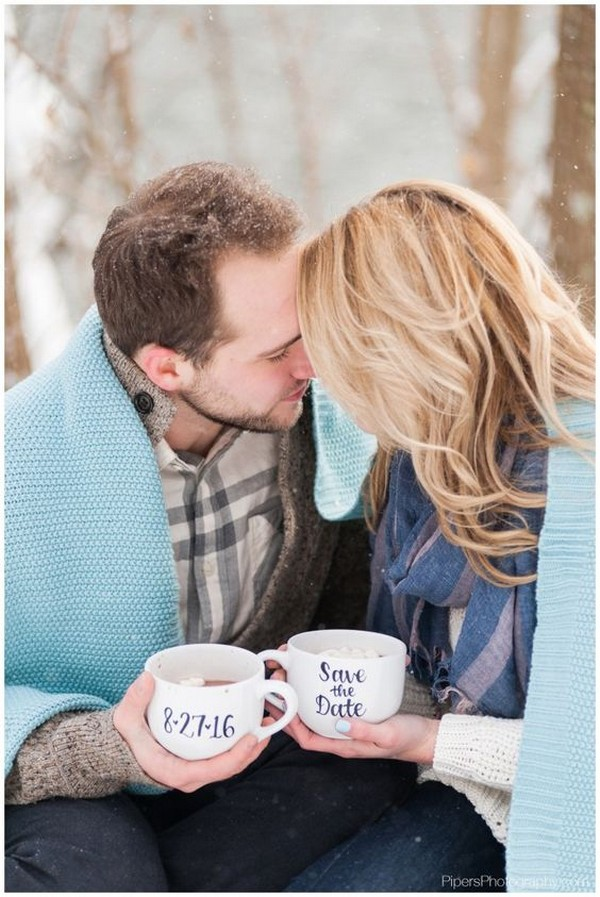 romantic snow engagement photo ideas