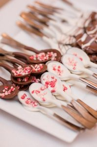 winter bridal shower ideas Cover spoons in chocolate to make simple hot chocolate
