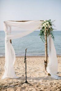 simple beach wedding arch decoration ideas