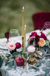 wedding table decoration ideas with glitter candles