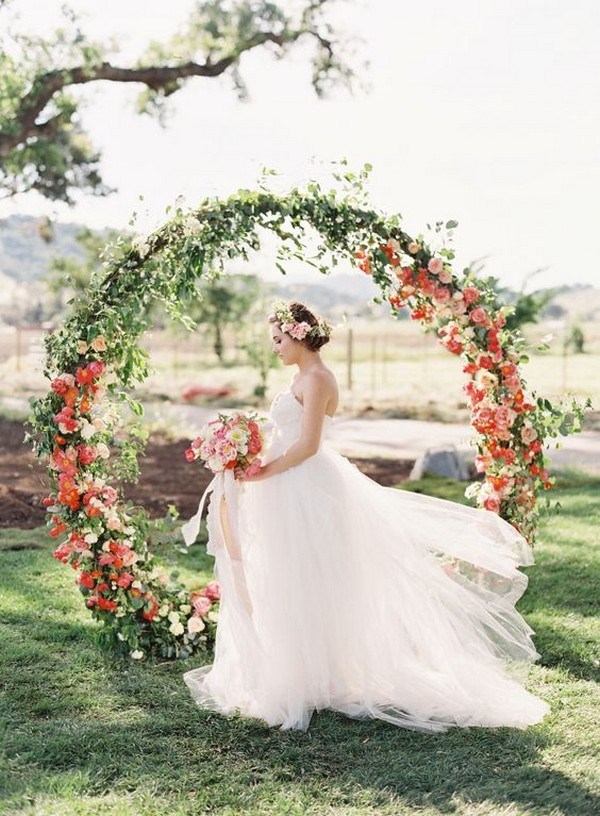 floral circular wedding arch decoration ideas