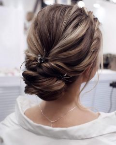 gorgeous elegant updo wedding hairstyle with hair pins