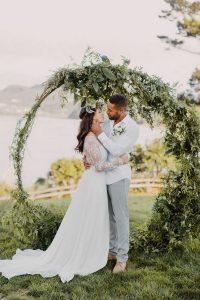 greenery circular wedding ceremony arch ideas