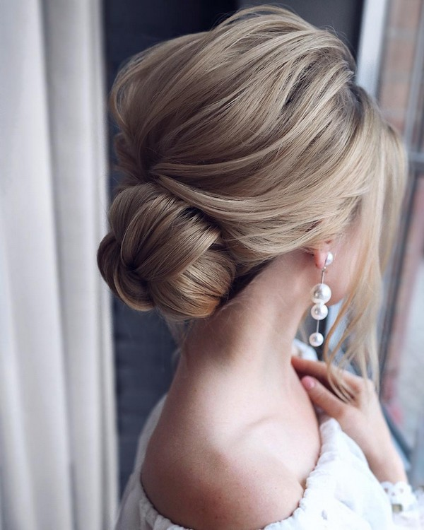 messy updo wedding hairstyle ideas