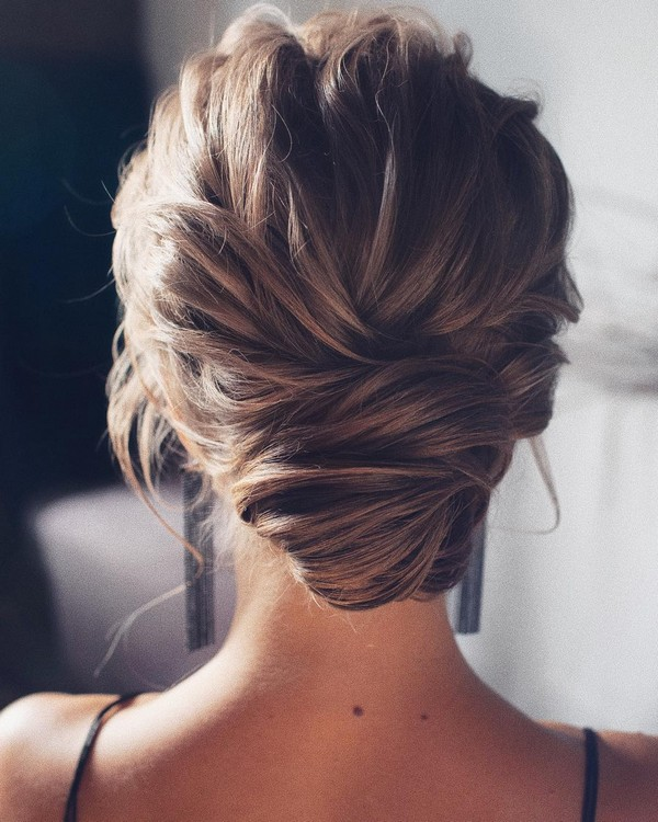 pretty wedding updo bridal hairstyle