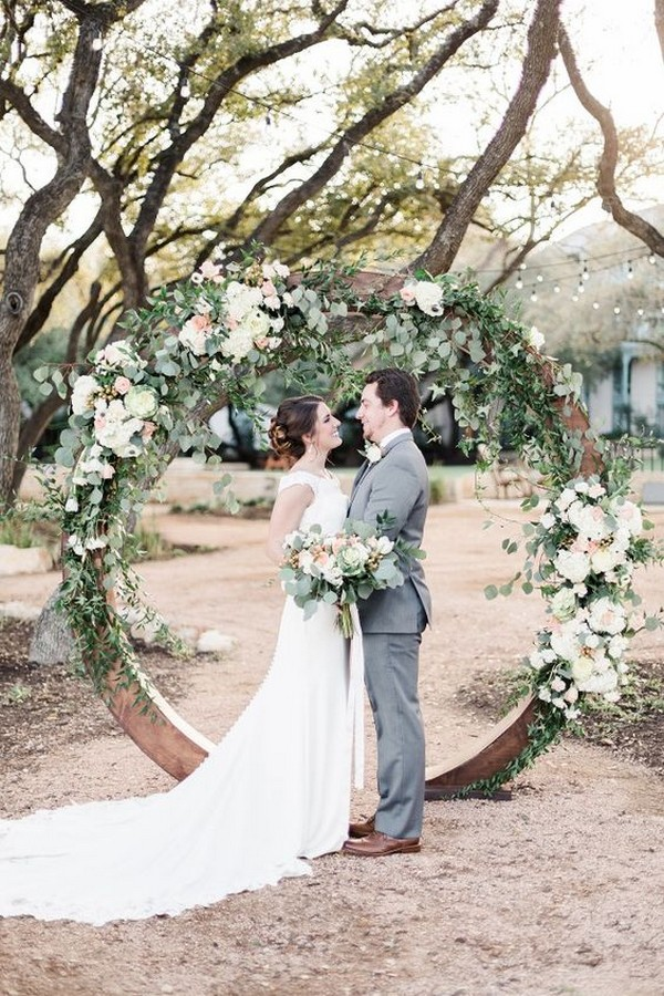 romantic circular wedding arch with garland