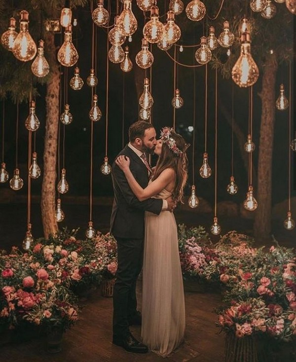 romantic wedding photo ideas with Edison Bulb lighting and floral
