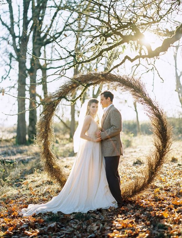 rustic chic circular wedding backdrop ideas