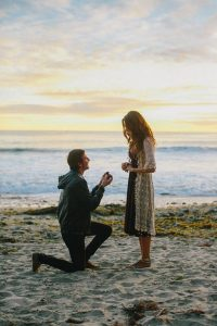 beach side sunset proposal picture ideas