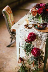 boho wedding table setting ideas with macrame table runner