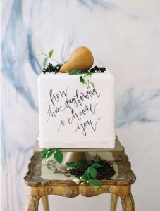 calligraphy hand painted wedding cake ideas