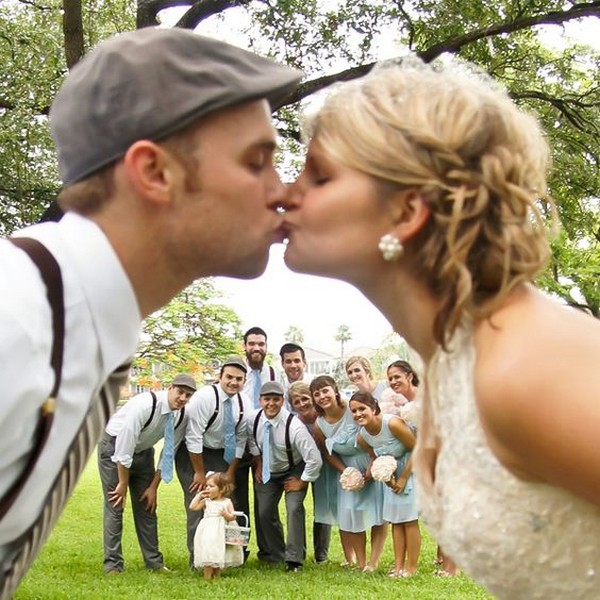 fun bride and groom wedding photo ideas