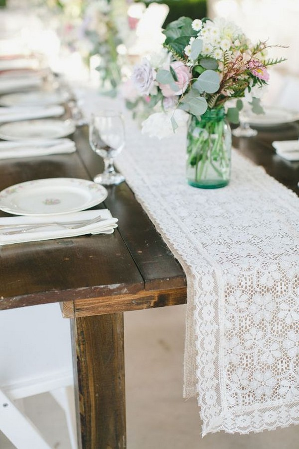 lace and burlap wedding table runner ideas