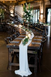 long table wedding centerpiece ideas with ivory table runner