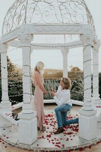 romantic proposal ideas with engagement ring