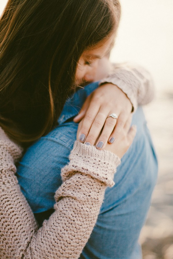 romantic sunset proposal photo ideas with ring shot