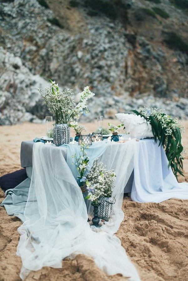 shades of blue beach wedding table settings